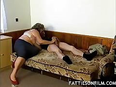 Plump hot tube - big booty milf porn