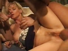 Double Penetration sexy videos - hairy mom porn