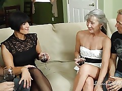 Swapping porn movs - busty mature tube