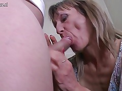 Housewife porn videos - mature oral sex